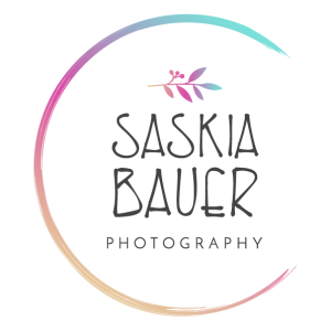 logo saskia bauer fotografo ibiza
